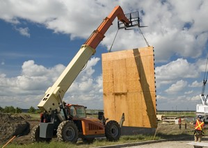 Rough terrain telehandler